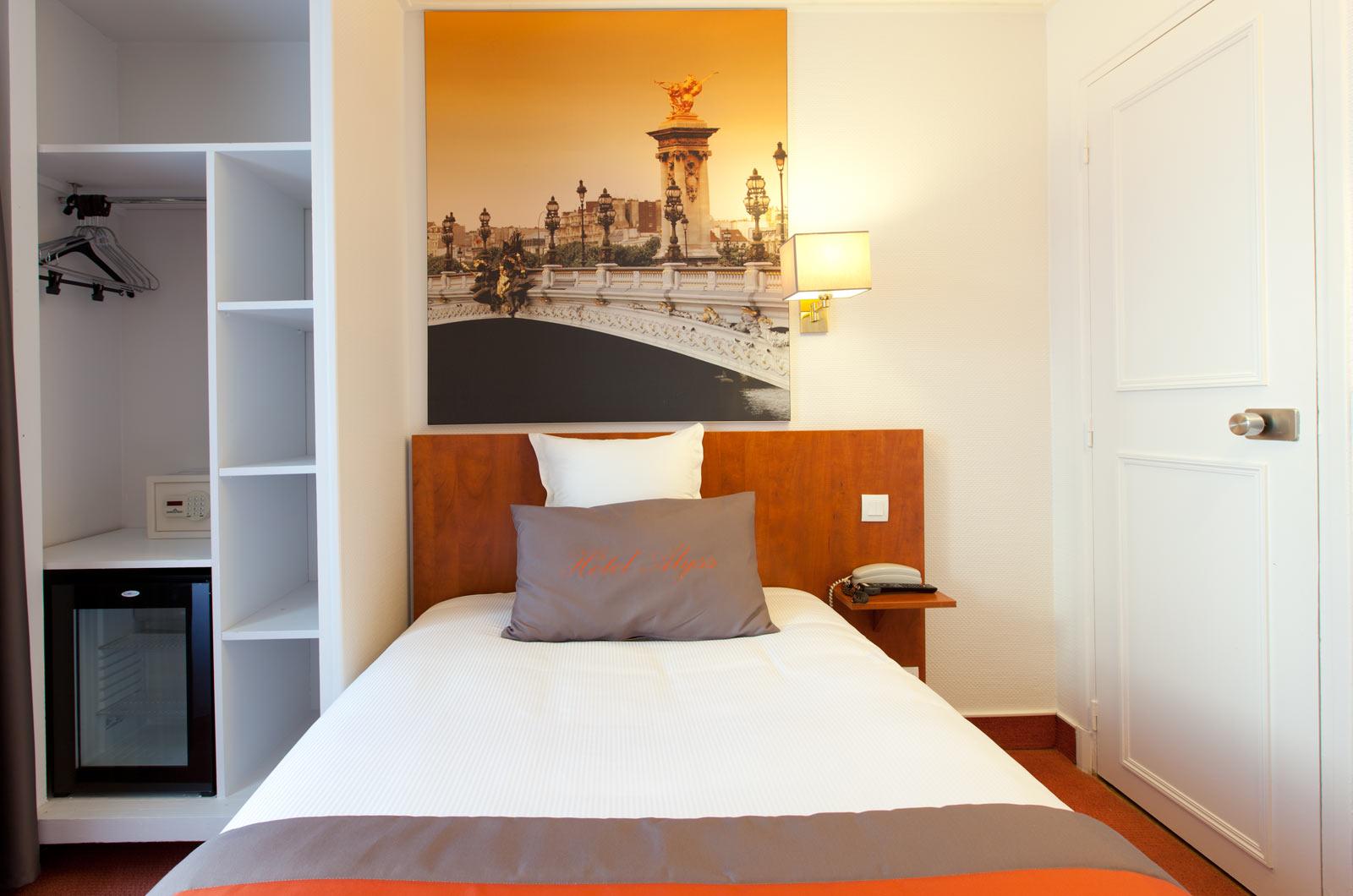 Hotel Saphir Grenelle Hotel Alyss Saphir Cambronne Eiffel Paris Official Website